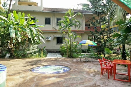 Room type: Entire home/apt Bed type: Real Bed Property type: Bungalow Accommodates: 2 Bedrooms: 0 Bathrooms: 1