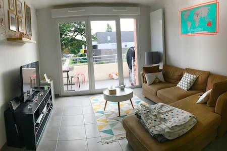 Chambre privée dans beau T3 neuf prox Bordeaux - Apartemen