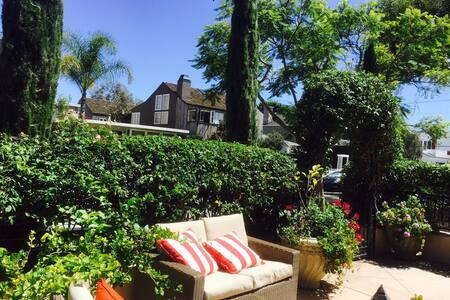 Romantic Custom Newport Beach Home - Newport Beach