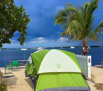 Camping in the Lower Keys - Summerland Key - Namiot