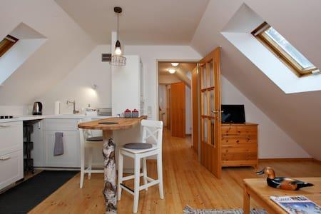 DorfResort - Gemütliche Dachbodenwohnung - Condominium