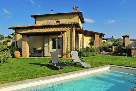 La casa delle farfalle - Staggia - Villa