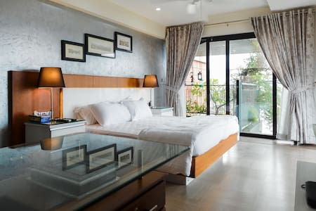 Deluxe Room at Sherly's - Ernakulam