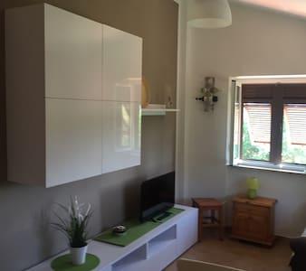 Casa privata immersa nel verde - Sarzana - House