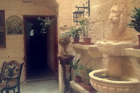 A Charming Traditional Maltese Townhouse - Townhouse
