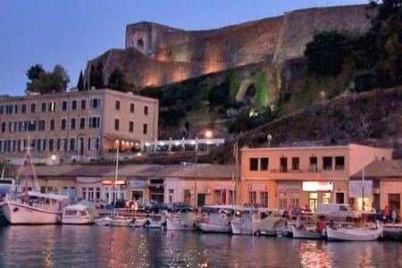 Apartment with a view  in the old town of Corfu - 아파트
