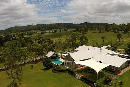 Upper Hunter Luxe Rural Retreat - House