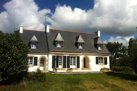 Grande Maison Bretonne près de la Plage - Dom