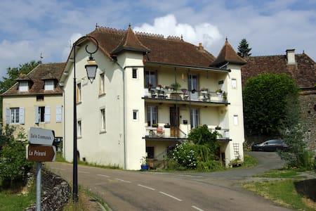 Chambre Feuilles Logis des Acacias - Le Puley - Guesthouse