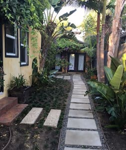 Tiny House in Paradise - Los Angeles - Guesthouse