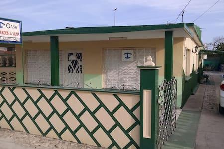 Hostal Lourdes y Vilma - Playa Giron