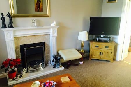 Beautiful rooms in Aylesbury, Bucks - Bed & Breakfast