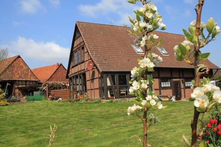 Landhaus in ländlicher Idylle für bis zu 6 Gästen - Bad Münder am Deister - Casa