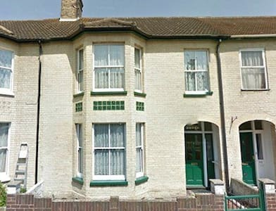 Goodwin House - Lowestoft - Hus