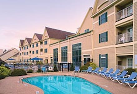 2 Bedroom Deluxe at Wyndham Bentley Brook Resort - Osakehuoneisto
