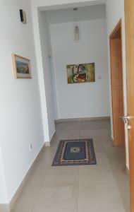 BAREEQ SHATI - Muscat - Lägenhet
