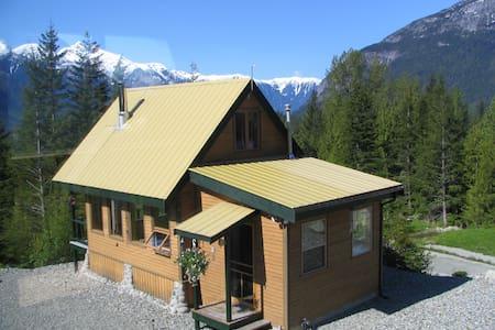 John's Perch Cabin & Loft Apartment - Central Coast C - Cabin