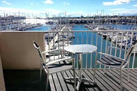 Beau Studio moderne vue port et accès piscine - Cap d'Agde - Apartment