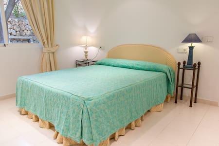 Independent room in Villa - Altea - Lejlighed