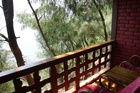CLEAN AND CALM SEA VIEW COTTAGES. - Gokarna - Bungalow