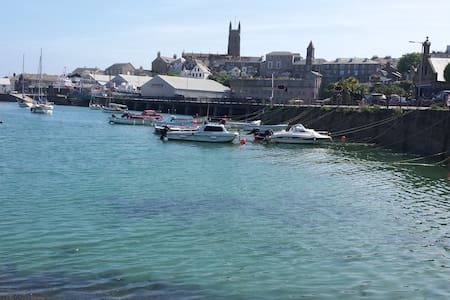 The Cornish House, a great location! - Penzance - House