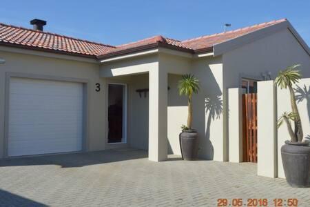 3 @ Villa Rouxle Northern Suburbs - Townhouse