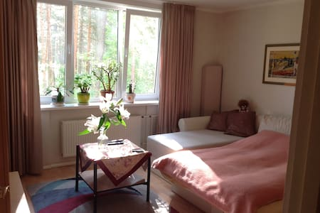 Lovely flat near pine forest, 3Min walk to the sea - Jūrmala - Appartement