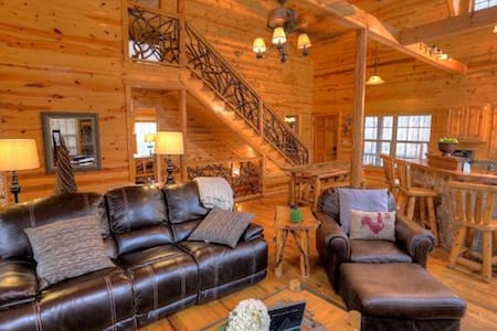 Lovely Cabin with Private Waterfall - Annat