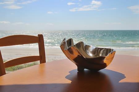 Belleair Beach 213 - Perfect Couples Getaway - Társasház