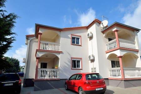 Apartment 200m from beach 1 - Apartment