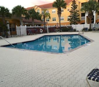 Seminole Beach Condo - Lakás