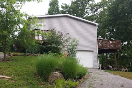 Quiet Lake retreat/Mammoth Cave! - Leitchfield - House