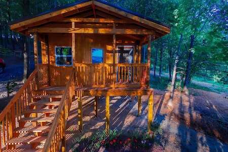 Foxtail Orchards Cabins and Campground - Tazewell - Cabana