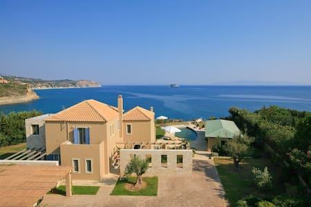 Blue Sea exclusive 5 bedroom villa - Svoronata