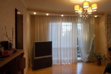 квартира на берегу черного моря в столице Абхазия - 아파트