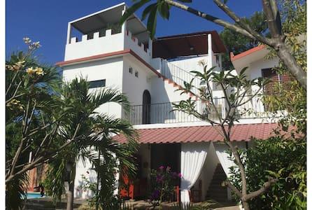 Idyllic Villa-Pool-Lush Garden 1 - Villa