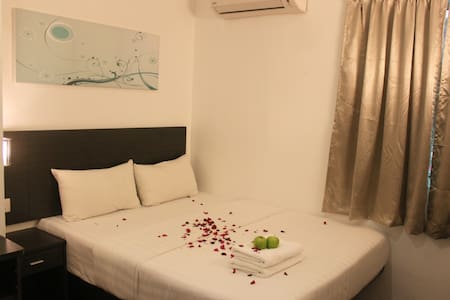 Apple 1 Hotel Superior With Window - Bayan Lepas - Bed & Breakfast