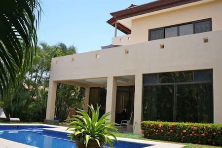 Casa Pez Vela - Beach House with Private Pool - Playa Hermosa