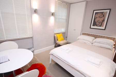 Smart Soho Private Room King Bed C