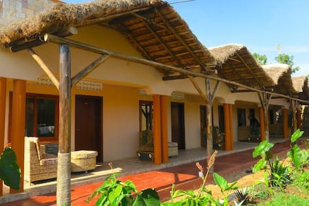 Gorilla African Guest House-Entebbe - Bed & Breakfast