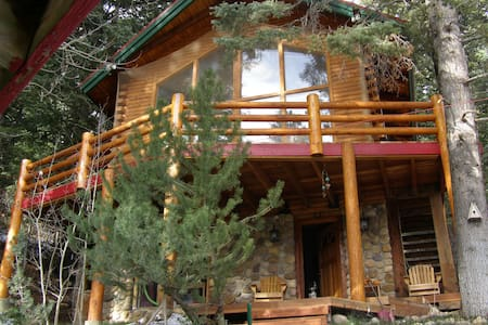 Park City Tree-Secluded Log Cabin - Stuga