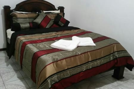 LIO 2B - 2 BR apartment near Limon Beaches - Limón