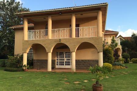 Garden Palace - Nairobi - Bed & Breakfast