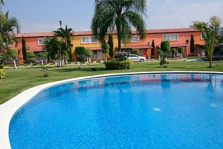 Casa entera Cuernavaca, para 8 pers - Maison