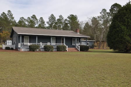 Lovely 3BR ranch on 5 acres - Moultrie