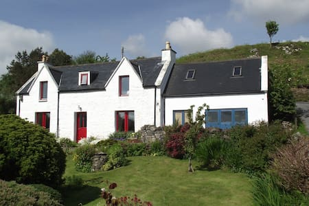 Kerr Cottage  family&pet  friendly! - portree