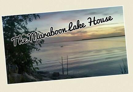 3 bedroom modern Lake House - House
