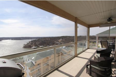 WOW! Unbelievable location and VIEW!! - Lake Ozark - Appartement en résidence