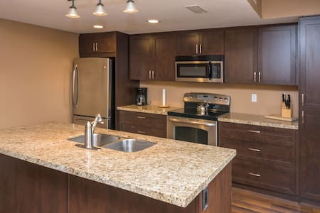Walk to the Village at Blue Mountain:Stylish Condo - The Blue Mountains