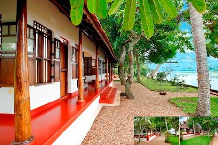 Waterfront Heritage Villa - Villa